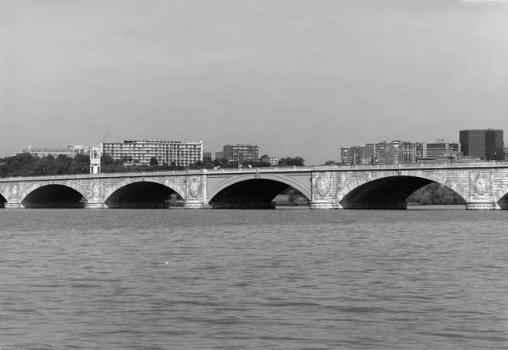 Arlington Memorial Bridge. (HAER, DC,WASH,563-3)