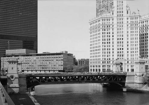 Michigan Avenue Bridge, Chicago. (HAER, ILL, 16-CHIG, 129-1)