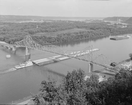 Black Hawk Bridge, Lansing, Iowa (HAER, IOWA,3-LANS,1-1)