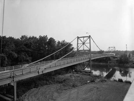 Hutsonville Bridge (HAER IND,77-GRAY.V,1-2)