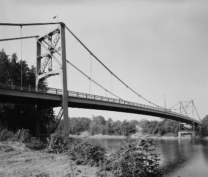 Hutsonville Bridge (HAER IND,77-GRAY.V,1-4)