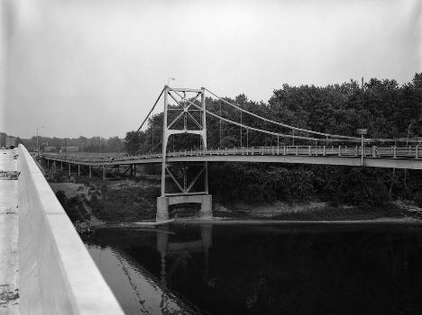 Hutsonville Bridge (HAER IND,77-GRAY.V,1-5)