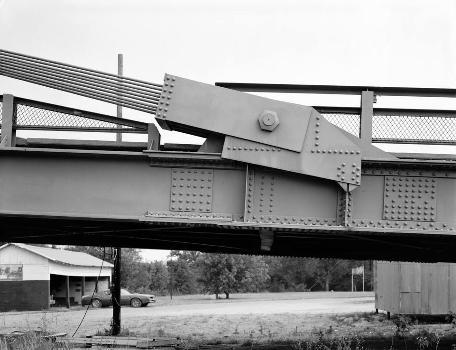 Hutsonville Bridge (HAER IND,77-GRAY.V,1-17)