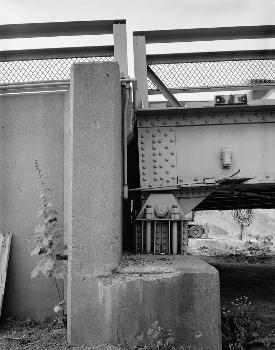 Hutsonville Bridge (HAER IND,77-GRAY.V,1-23)
