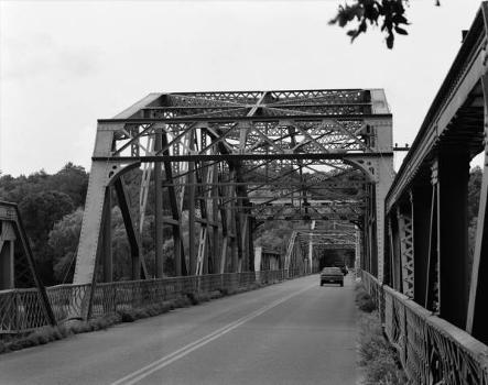 Rocks Village Bridge : General view from roadway at south end, looking north (HAER, MASS,5-HAV,9-5)