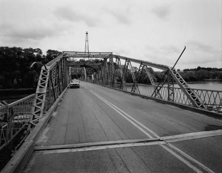 Rocks Village Bridge : General view of swing span from north portal end, looking south (HAER, MASS,5-HAV,9-6)