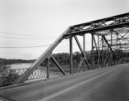 Rocks Village Bridge : General view from roadway at north portal end of north span, looking southeast (HAER, MASS,5-HAV,9-7)