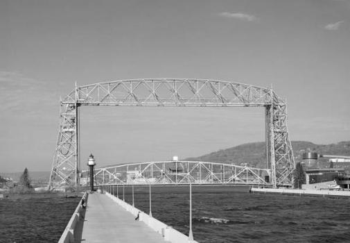 Aerial Lift Bridge  North elevation of bridge   (HAER, MINN,69-DULU,9-6)