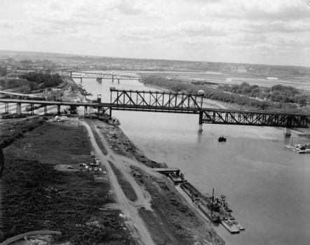 Armour, Swift, Burlington Bridge, Kansas City. (HAER, MO,48-KANCI,16-8)