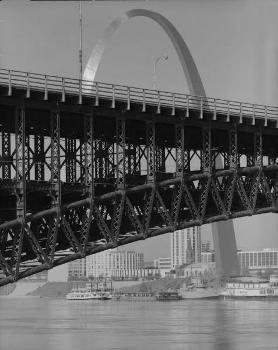 Eads Bridge & Gateway Arch, Saint Louis  (HAER, MO,96-SALU,77-12)