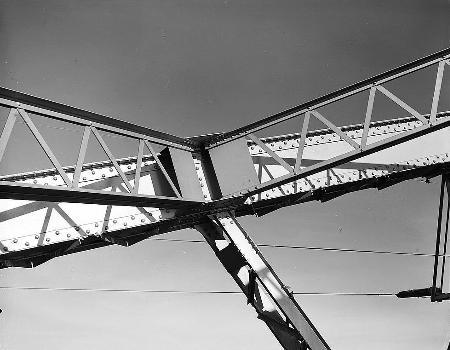 Liberty Memorial Bridge, Bismarck, North Dakota. (HAER, ND,8-BISMA,2-15)
