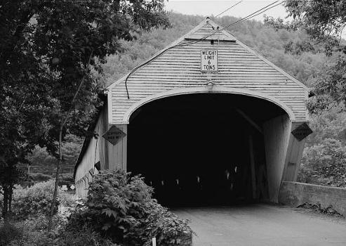 Cornish-Windsor Covered Bridge. (HAER, NH,10-CORN,2-5)