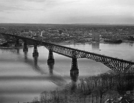 Poughkeepsie Railroad Bridge (HAER, NY,14-POKEP,8-;DLC/PP-97:NY-21)