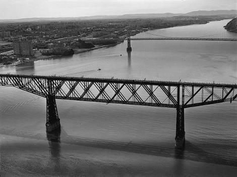 Poughkeepsie Railroad Bridge (HAER, NY,14-POKEP,8-;DLC/PP-97:NY-27)