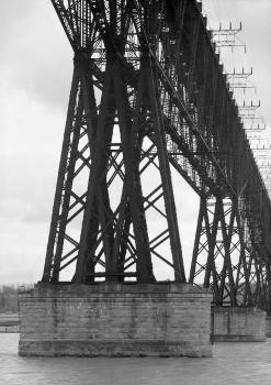 Poughkeepsie Railroad Bridge (HAER, NY,14-POKEP,8-;DLC/PP-97:NY-219)