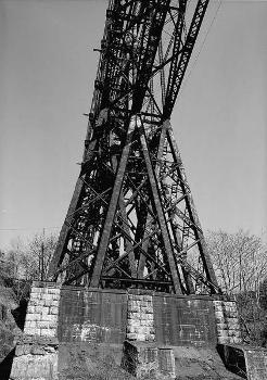 Poughkeepsie Railroad Bridge (HAER, NY,14-POKEP,8-;DLC/PP-97:NY-222)