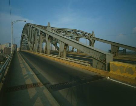 Detroit Superior High Level Bridge. (HAER, OHIO,18-CLEV,22-27)