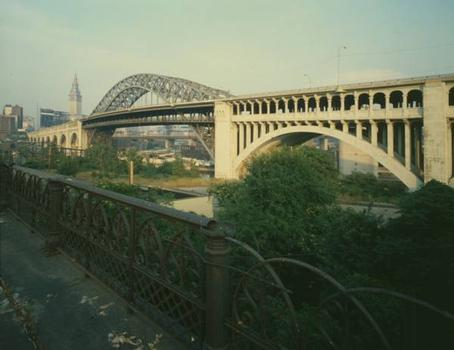 Detroit Superior High Level Bridge. (HAER, OHIO,18-CLEV,22-28)