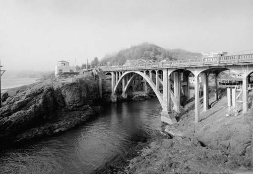 Depoe Bay Bridge, Oregon Coast Highway. (HAER, ORE,21-DEPBA,1-1)