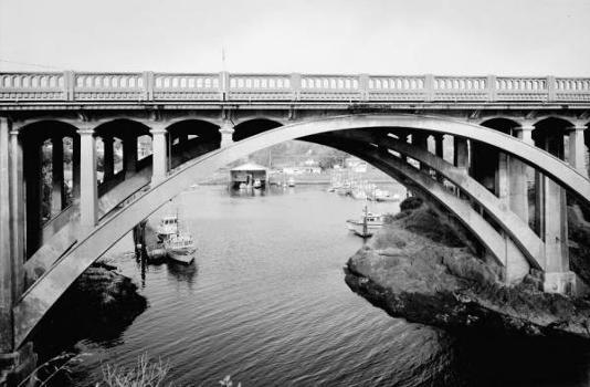 Depoe Bay Bridge, Oregon Coast Highway. (HAER, ORE,21-DEPBA,1-2)
