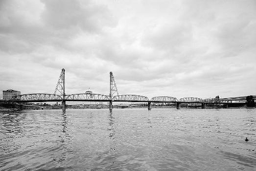 Hawthorne Bridge, Portland, Oregon. (HAER, ORE,26-PORT,10-1)