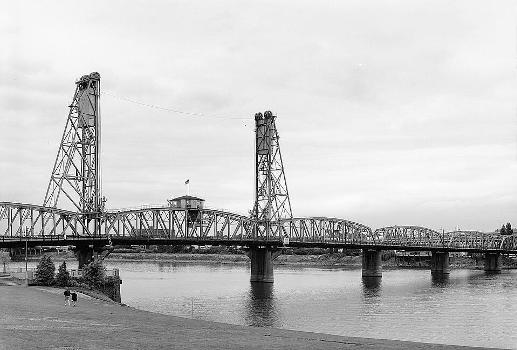 Hawthorne Bridge, Portland, Oregon. (HAER, ORE,26-PORT,10-2)