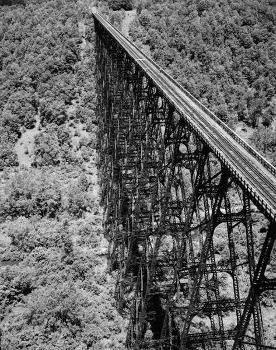 Kinzua Viaduct (1900). (HAER, PA,42-MOJEW.V,1-23)