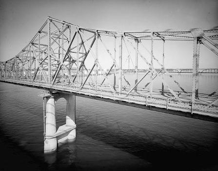 Pasco-Kennewick Bridge. (HAER, WASH,11-PASC,1-5)