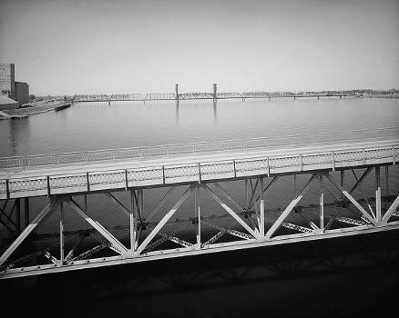 Pasco-Kennewick Bridge. (HAER, WASH,11-PASC,1-6)