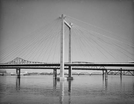 Pasco-Kennewick Bridge. (HAER, WASH,11-PASC,1-14)