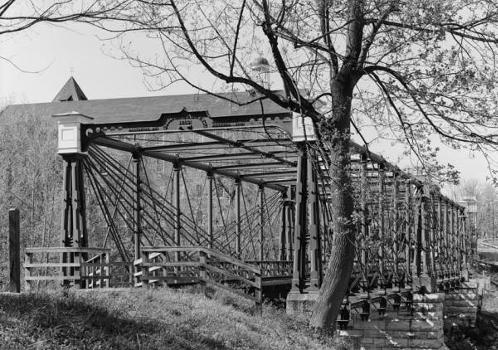 Bollman Truss Bridge. (HAER, MD,14-SAV,1-;DLC/PP-99:MD-214)