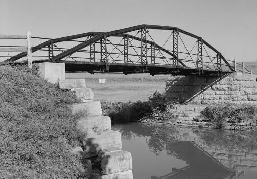 Cooper's Tubular Arch Bridge, Old Erie Canal, Fayetteville, Onondaga County, New York (HAER, NY,34-DEWI)