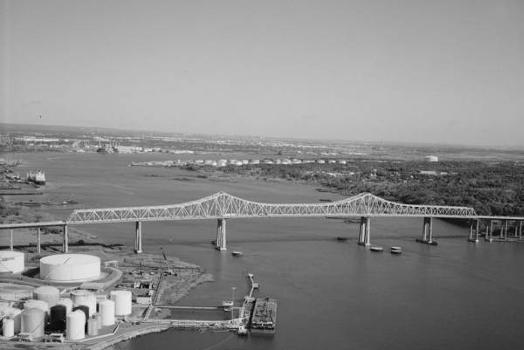 Outerbridge Crossing Bridge. (HAER, NY,43-____,3-4)