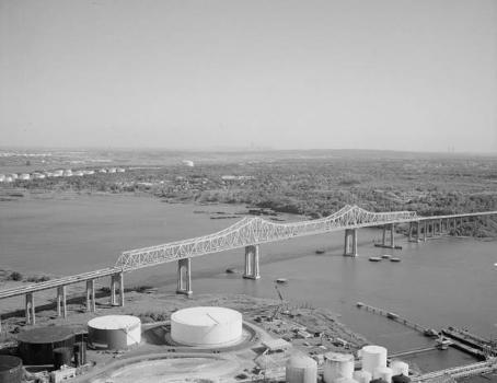 Outerbridge Crossing Bridge. (HAER, NY,43-____,3-6)