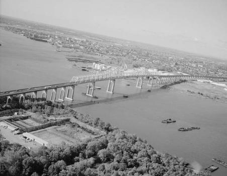 Outerbridge Crossing Bridge. (HAER, NY,43-____,3-7)