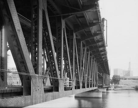 Steel Bridge, Portland, Oregon. (HAER, ORE,26-PORT,14-12)