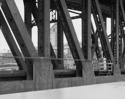 Steel Bridge, Portland, Oregon. (HAER, ORE,26-PORT,14-13)