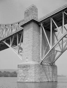 McKees Rocks Bridge, Pittsburgh, Pennsylvania. (HAER, PA,2-MCKRO,2-10)