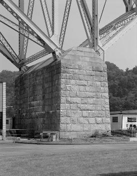 McKees Rocks Bridge, Pittsburgh, Pennsylvania. (HAER, PA,2-MCKRO,2-12)