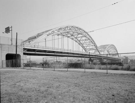 McKees Rocks Bridge, Pittsburgh, Pennsylvania. (HAER, PA,2-MCKRO,2-17)