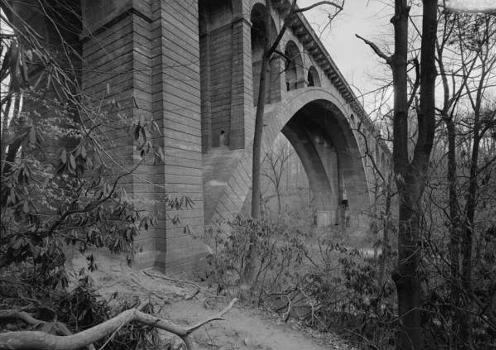 Walnut Lane Bridge, Spanning Wissahickon Creek, Philadelphia, Pennsylvania : (HAER, PA,51-PHILA,731-3)