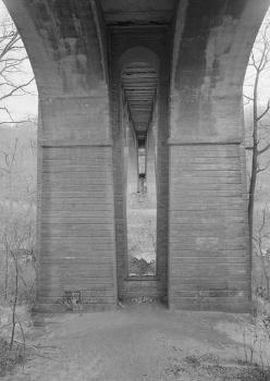 Walnut Lane Bridge, Spanning Wissahickon Creek, Philadelphia, Pennsylvania  (HAER, PA,51-PHILA,731-4)