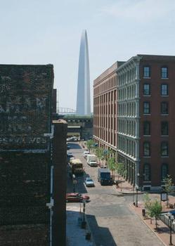 Gateway Arch, Saint Louis. (HAER, MO,96-SALU,78-40)
