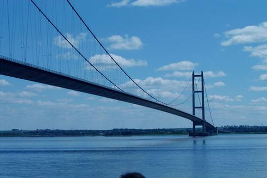 Humber Bridge seen from the north shore