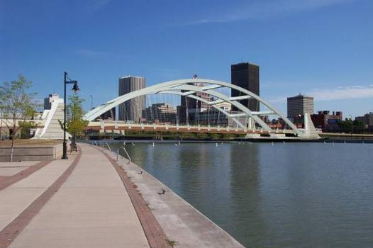 Troup-Howell Bridge (2007), Rochester, New York. Bild bereitgestellt vom New York State Department of Transportation.