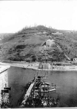 Construction des piles du pont