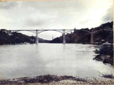 Le pont en 1907 vu depuis la rive gauche
