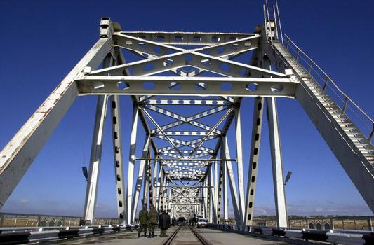 Freundschaftsbrücke in Termez