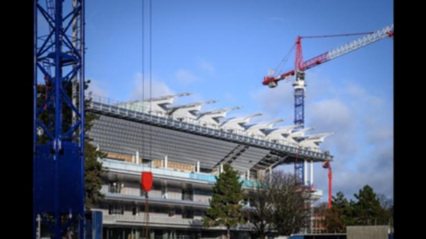Philippe-Chatrier court's retractable roof : 8 sections are already in place!:The spectacular transformation of Philippe-Chatrier court is well underway. Its 11-pane retractable roof is currently being fitted: 8 sections are already in place and the last 3 will be installed by the end of January 2020. #RolandGarros
