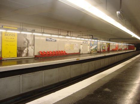 Aubervilliers - Pantin - Quatre Chemins Metro Station
